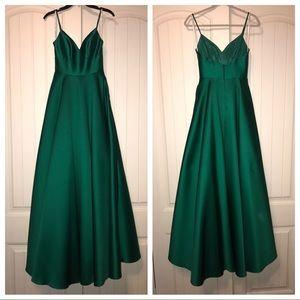 [Camille la Vie] Slip Ball Gown w/ Pockets!!